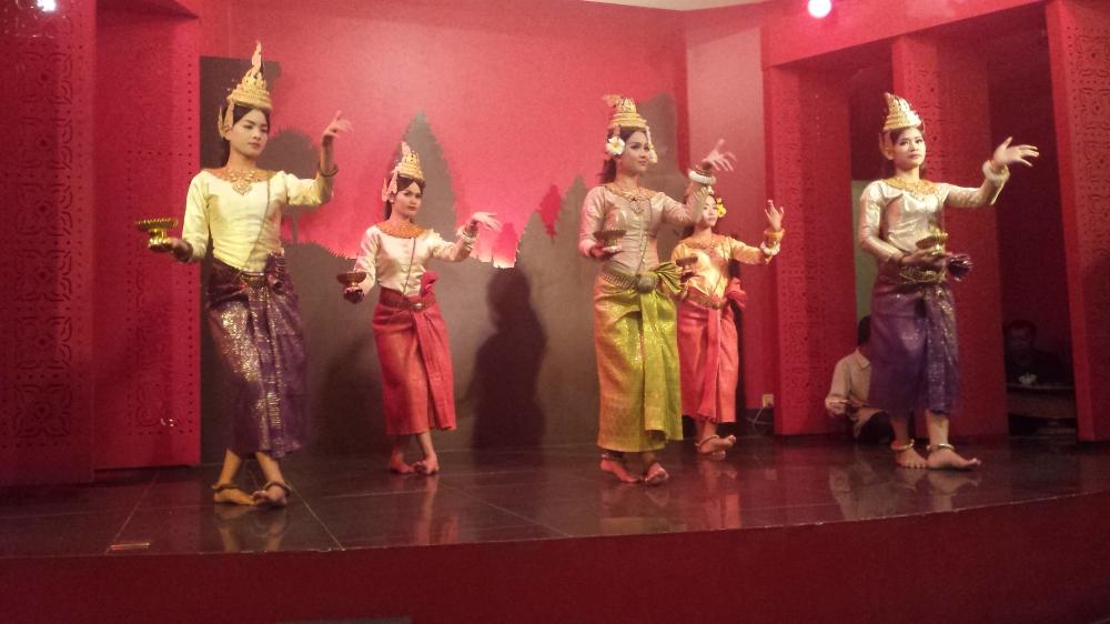 Cambodian dance Apsara